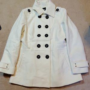 Cream Size Large Apt 9 pea coat 60%wool